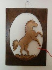 Quadretto cavallo su due zampe, tecnica del traforo