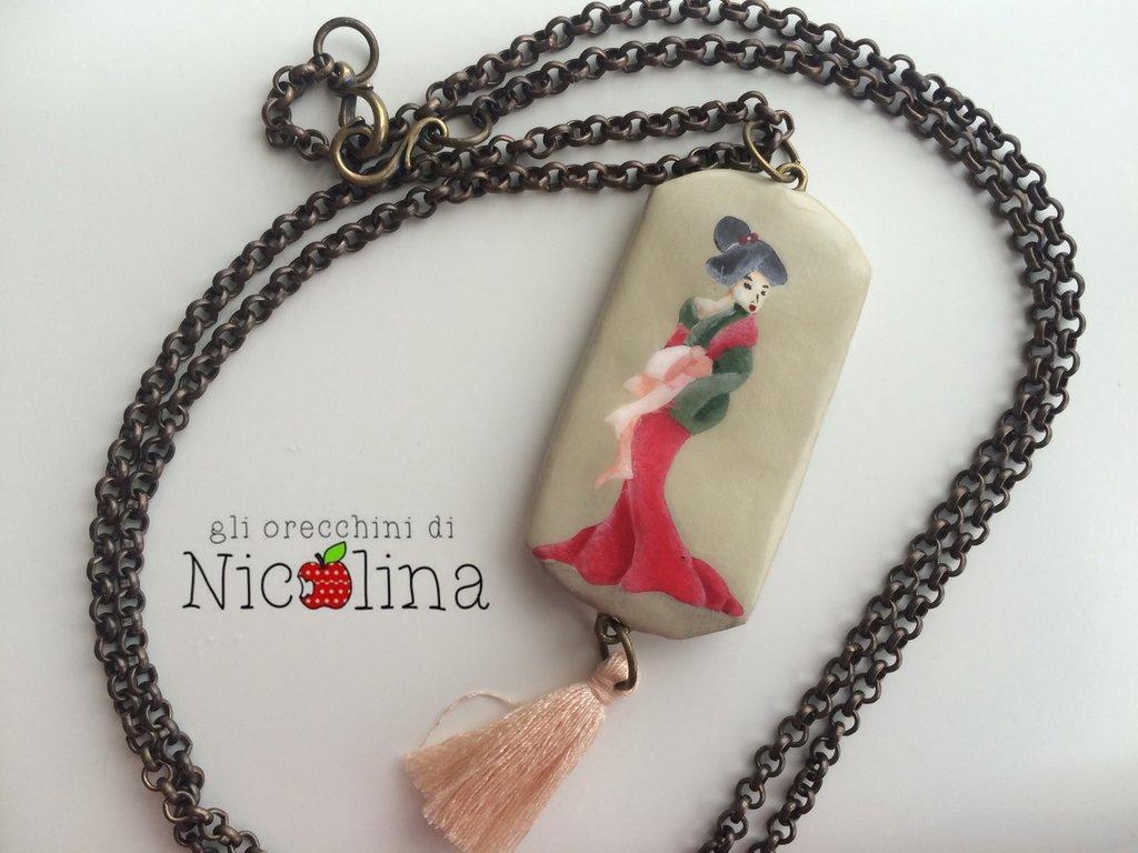 Collana lunga in ottone Geisha con nappa