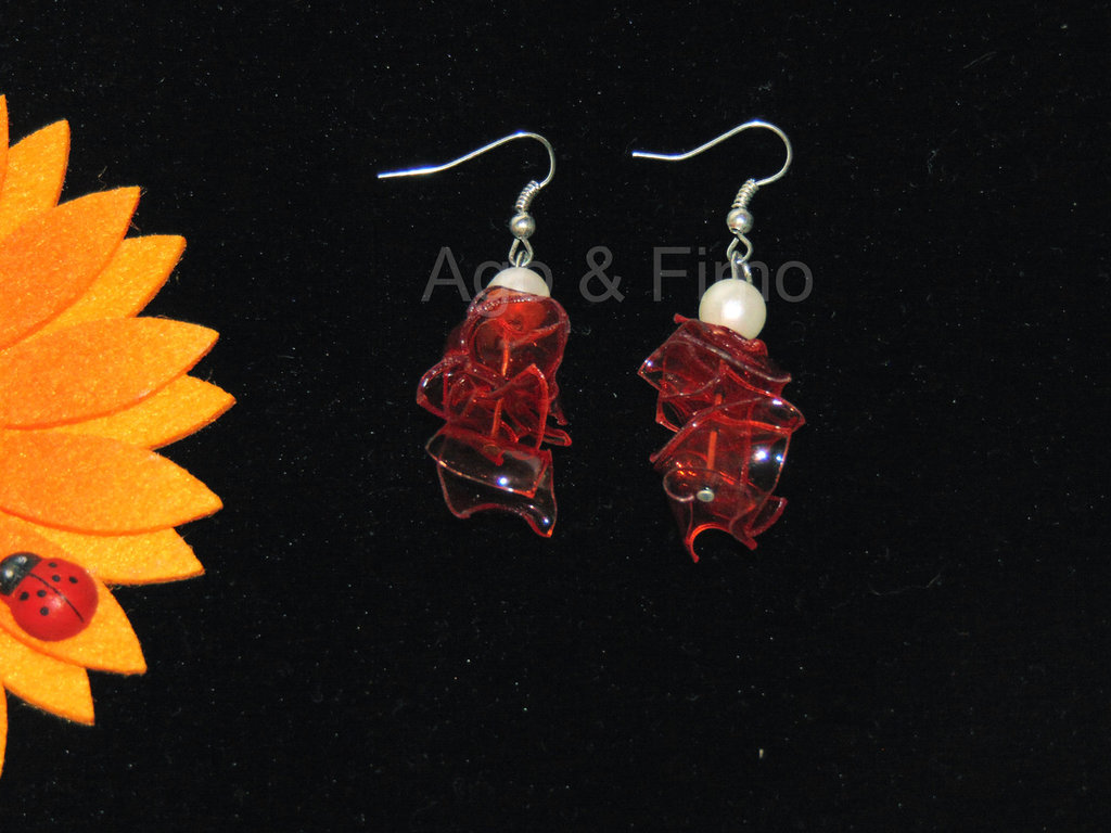 orecchini pet rosso semitrasparente