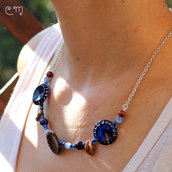 Collana blu, in argento, con cristalli di Boemia e bottoni anni '20-'30.