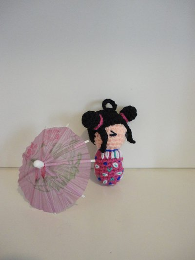 Kokeshi(viola) portachiavi-bamboline giapponesi realizzate a mano