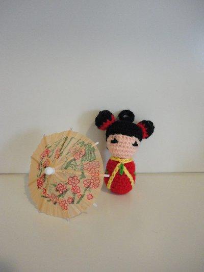 Kokeshi (Rossa) bamboline giapponesi realizzate a mano