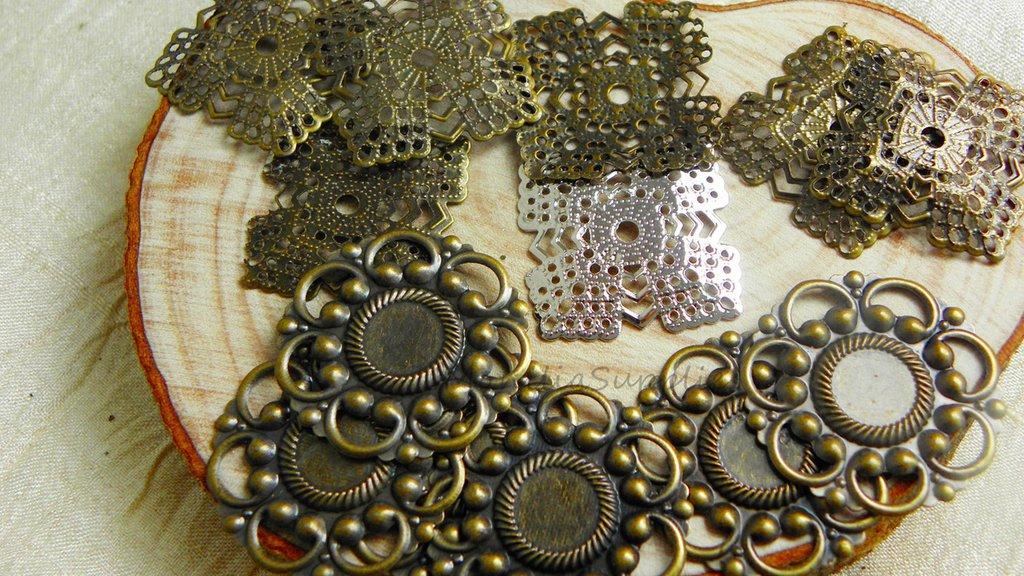 FUORI TUTTO Lottof.2  20 pezzi mix filigrane connettori  a fiore  e quadrati , circa 20-25mm, color bronzo