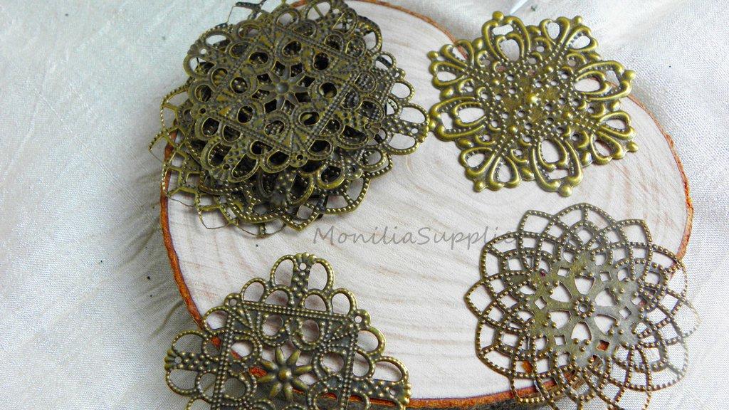 FUORI TUTTO Lottof.5, 8 pezzi mix filigrane connettori  a fiore mandala  e quadrati , circa 40mm, color bronzo