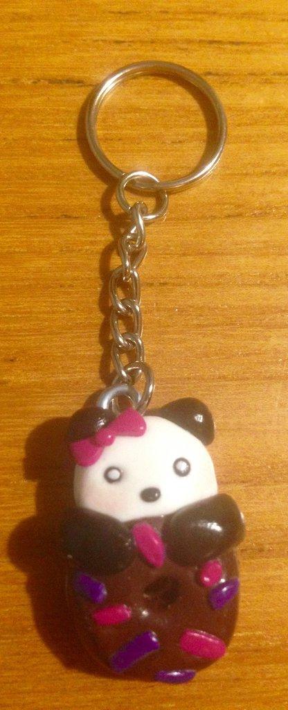Portachiavi panda con ciambella