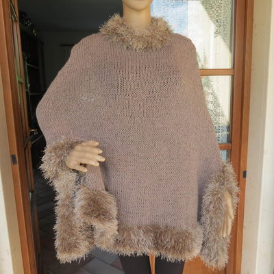 mantella in lana color tortora