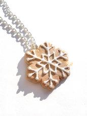 Collanina ciondolo a biscotto con glassa a fiocco di neve in fimo idea regalo ragazza donna