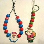 Braccialetto e portachiavi con  perline in legno e ciondolo Babbo Natale