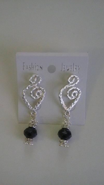 orecchini eleganti con pietra