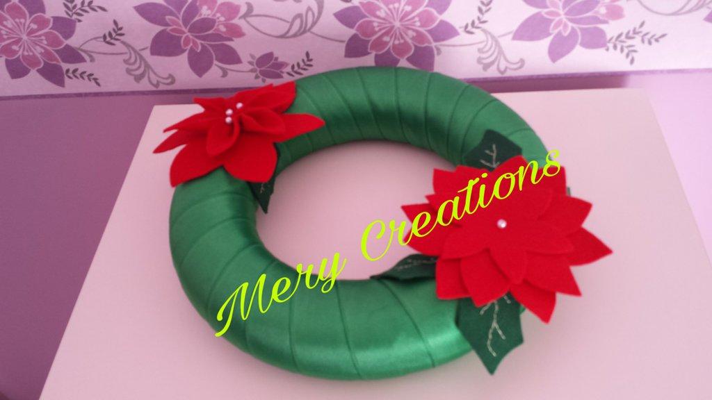 Ghirlanda natalizia verde, stelle di natale