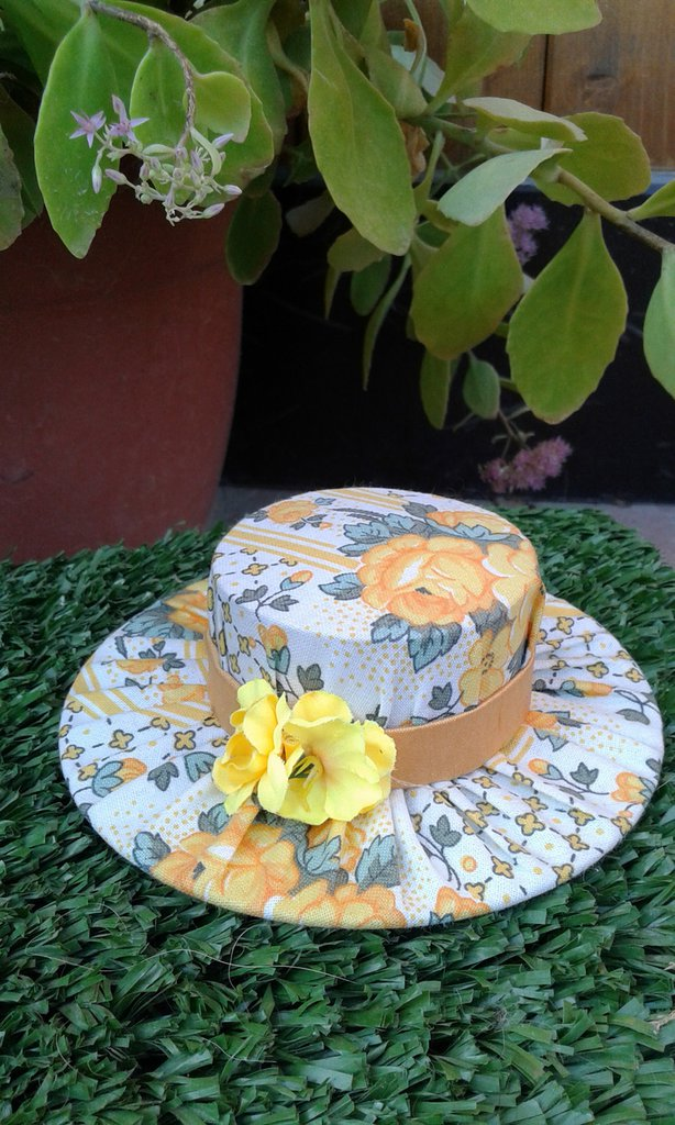 Cappellino punta spilli