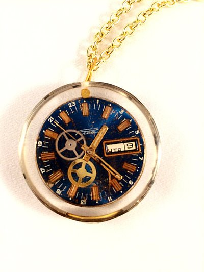 Ciondolo resina Double face Blue con parti di orologio
