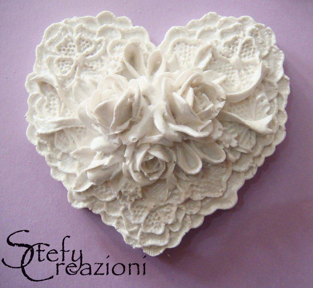 Cuore con Rosa in polvere di Ceramica
