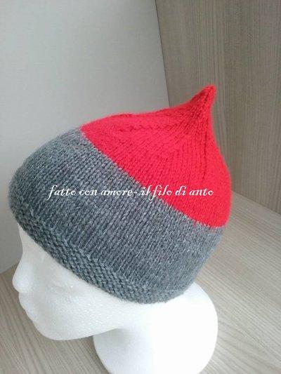 Cappello bimbo in lana rossa e grigio