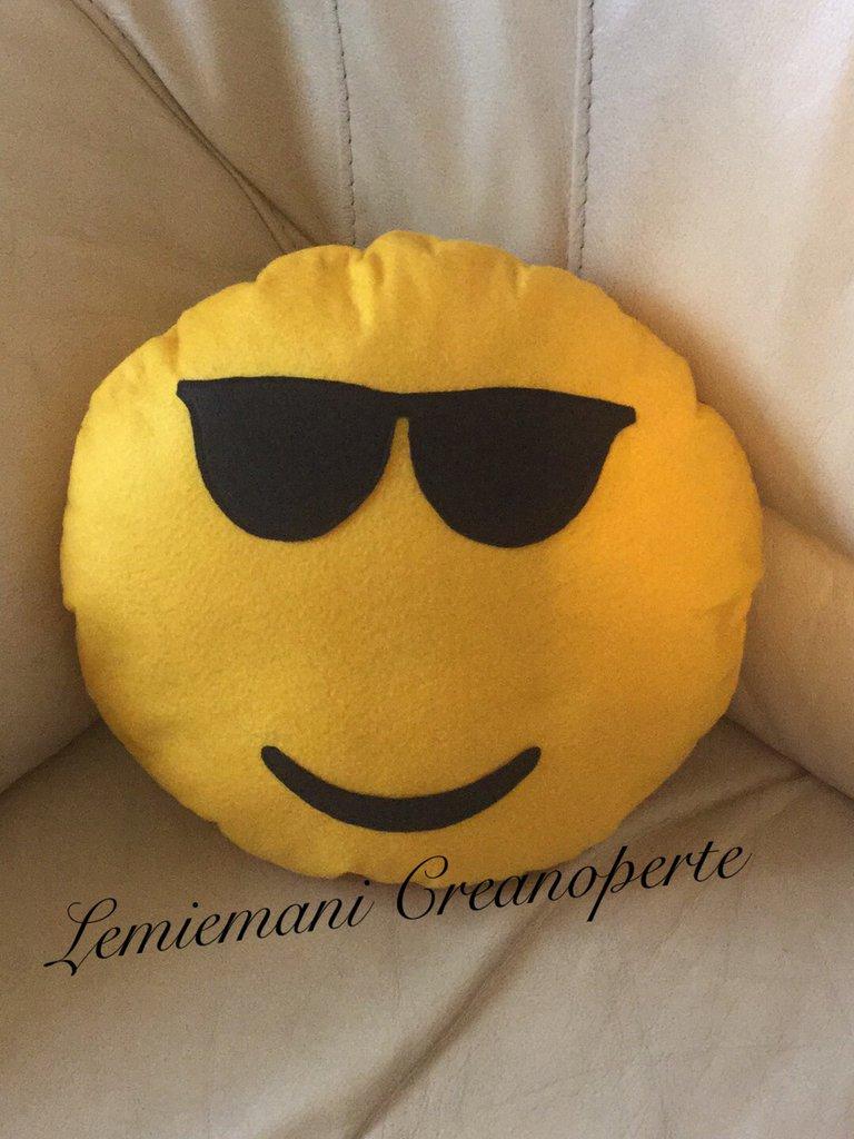 Cuscino Whatsapp Emoticon Emoji handmade fatto a mano idea regalo San Valentino faccine