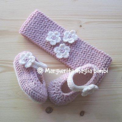 Fascia e scarpine coordinate per neonata - bianco e rosa - baby shower - idea regalo