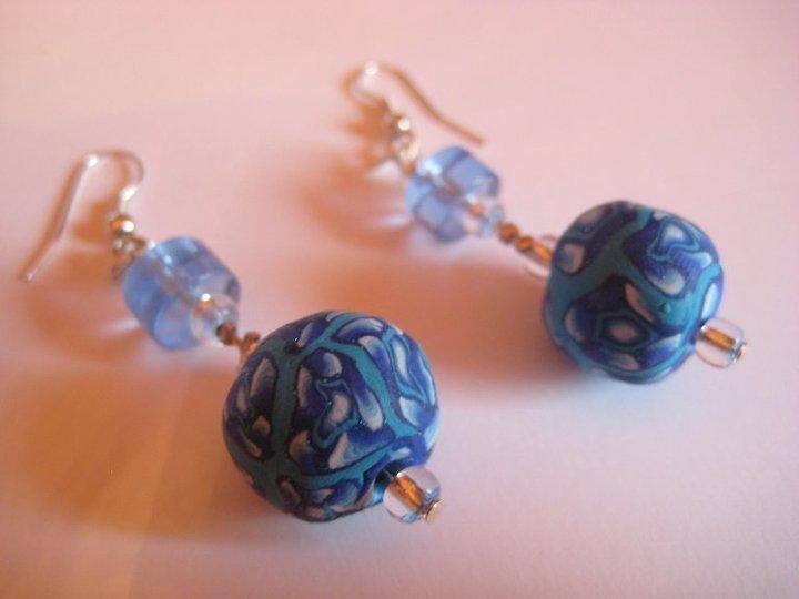 Orecchini pendenti fiori blu
