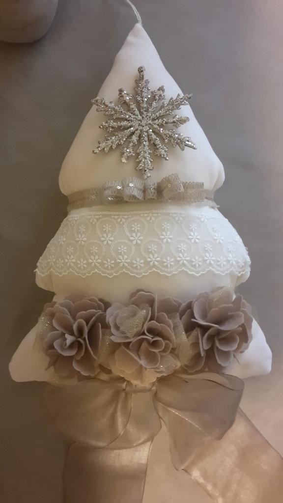 decorazione natalizia a forma di albero