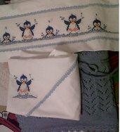 Set Copertina di lana e Lenzuolini con Pinguini, ricamati a mano, per culla o carrozzina