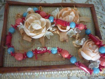 Collana in agata azzurra, corallo bambu e perle