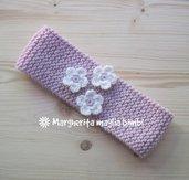 Fascetta in lana e alpaca rosa con fiori bianchi - fascia capelli neonata