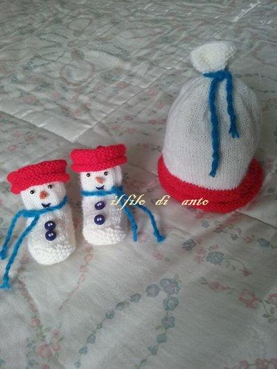 Cappello e scarpine a pupazzo di neve