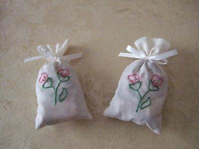 2 sacchetti profuma biancheria