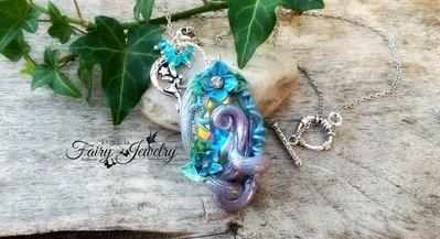 Collana fimo elfica gemma cabochon druido aurora boreale cristallo vetro fata