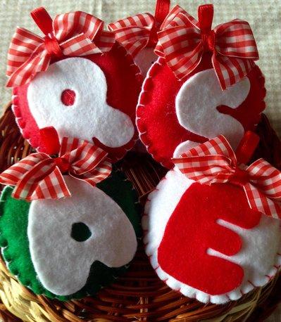 Il Natale in pannolenci: Iniziali