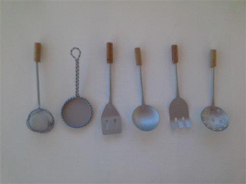 Attrezzi da cucina in miniatura materiali materiali for Attrezzi da cucina in silicone