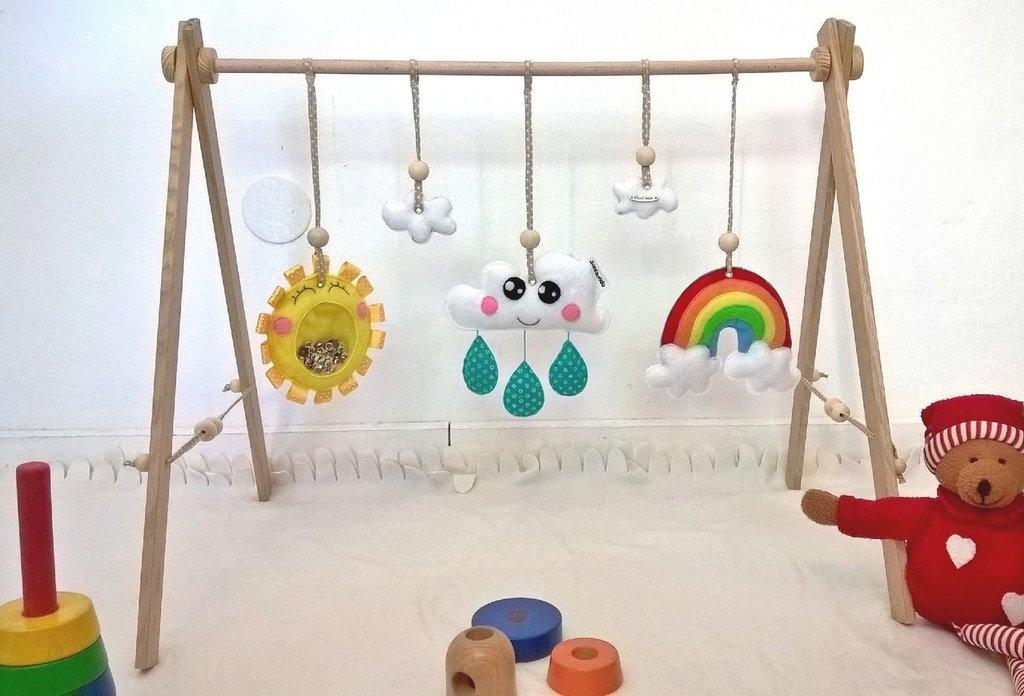 Palestrina per il bebè in legno e feltro
