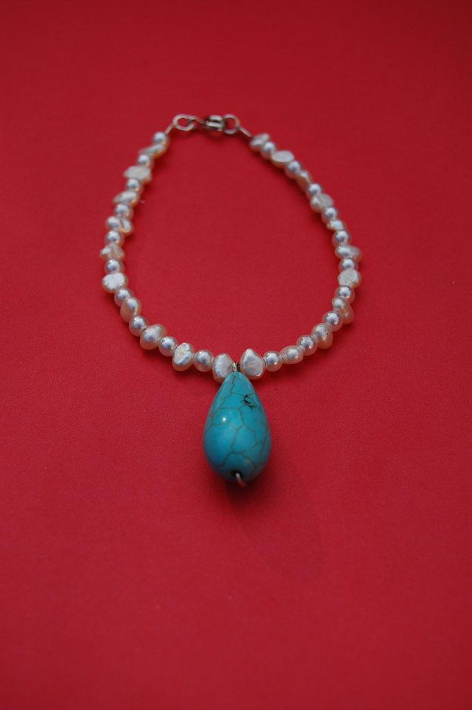 Braccialetto con perle di fiume