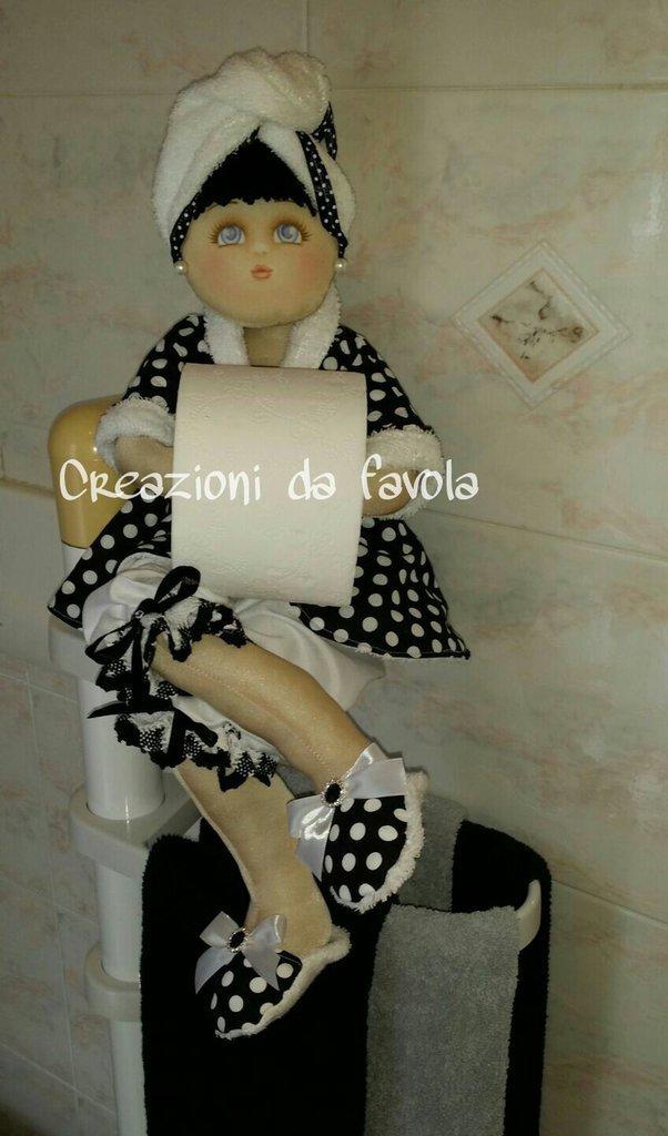 Portarotolo bambola dark