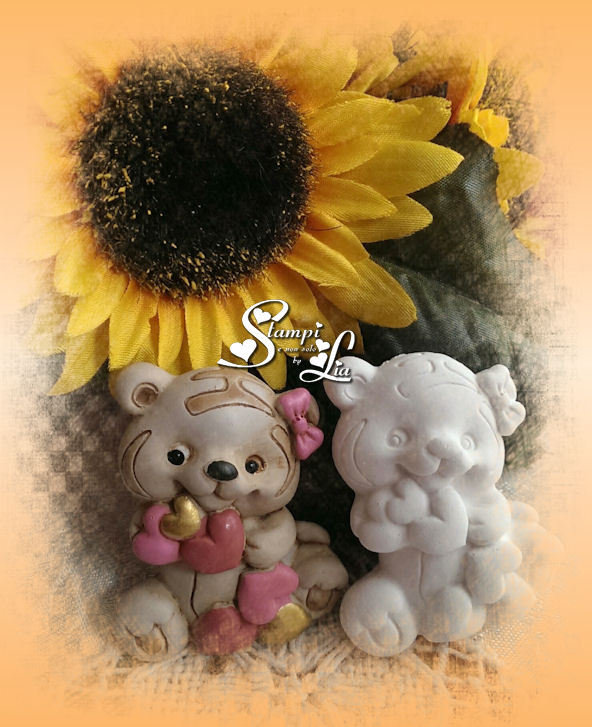 Stampo orsetta con cuori rosa e dorati