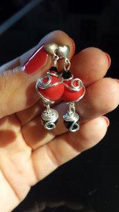 Orecchini pendenti fatti a mano wire e kato neri e rossi nichel free
