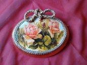 medaglione decorato a mano