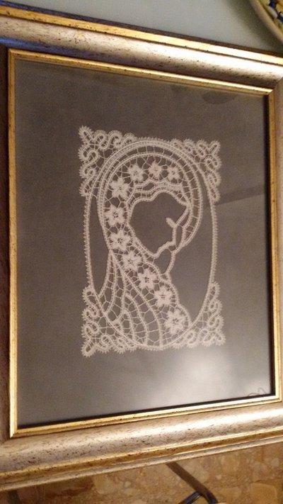 Quadro a tombolo raffigurante la Madonna
