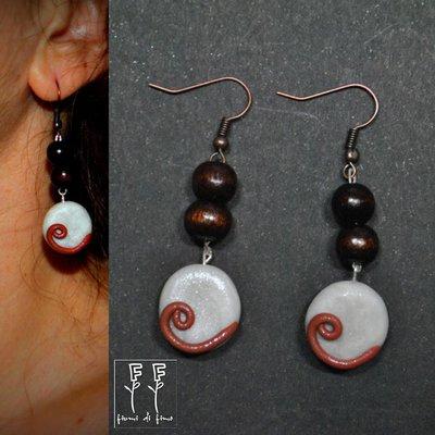 orecchini fimo| orecchini pendenti fimo| earrings| gioielli fimo| orecchini con perline| orecchini -Occhi di Venere-|