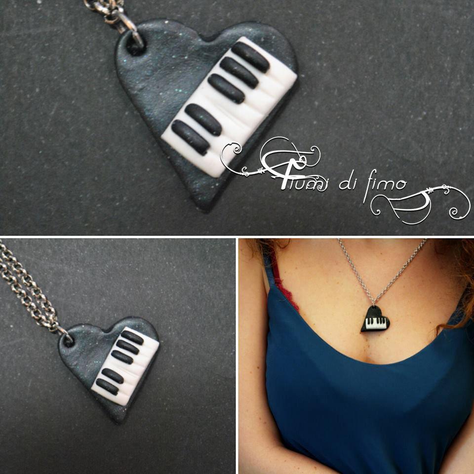 ciondolo cuore  ciondolo fimo  ciondolo pianoforte fimo  ciondolo piano  collana in fimo  gioielli in fimo  pianoforte in fimo  ciondolo amanti della musica