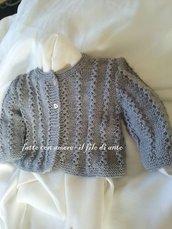 Golfino / maglia / cardigan /giacchino in lana  con bottoni a cuore