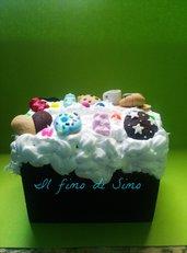 salvadanaio decorato con dolcetti in pasta polimerica