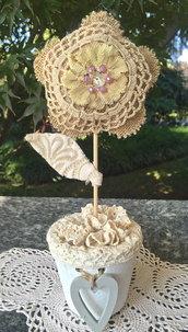 vasetto con fiore shabby romantic