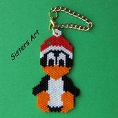 """Ciondolo """"Pinguino natalizio"""" realizzato con perline delica"""