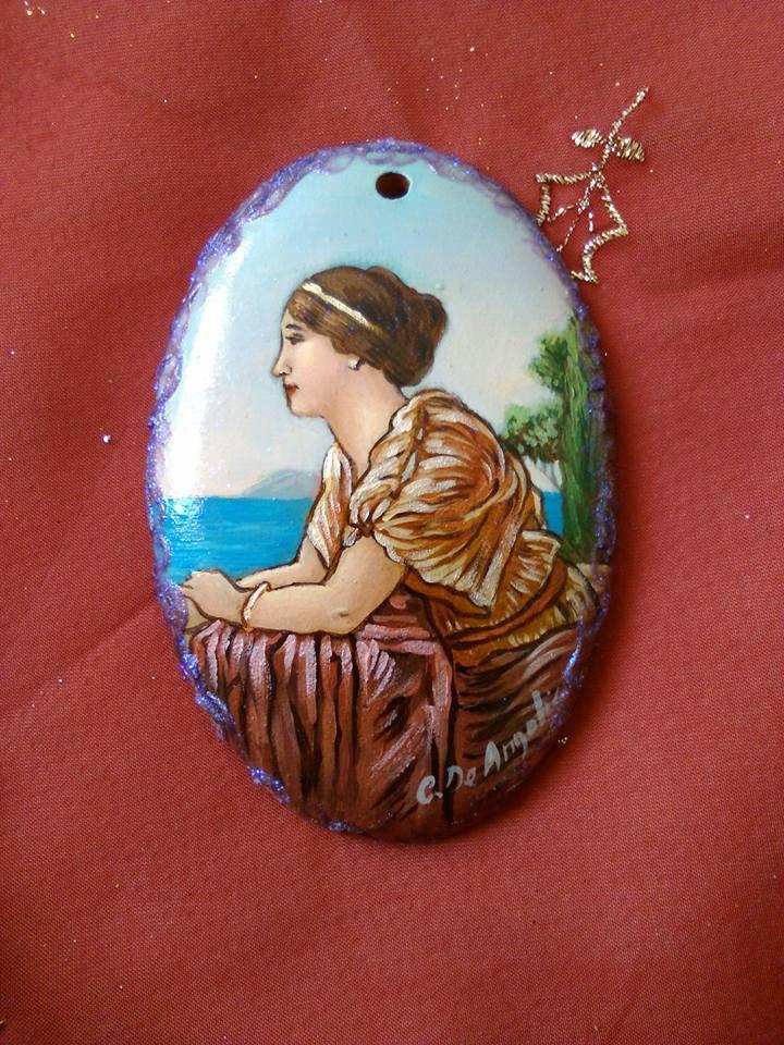 medaglione ovale dipinto a mano