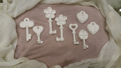 8 chiavi in gesso