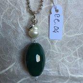 Ciondolo in acciaio per collana con perla di fiume e agata sfaccettata.