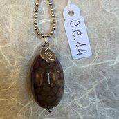 Ciondolo in acciaio per collana con pietra di agata sfaccettata.