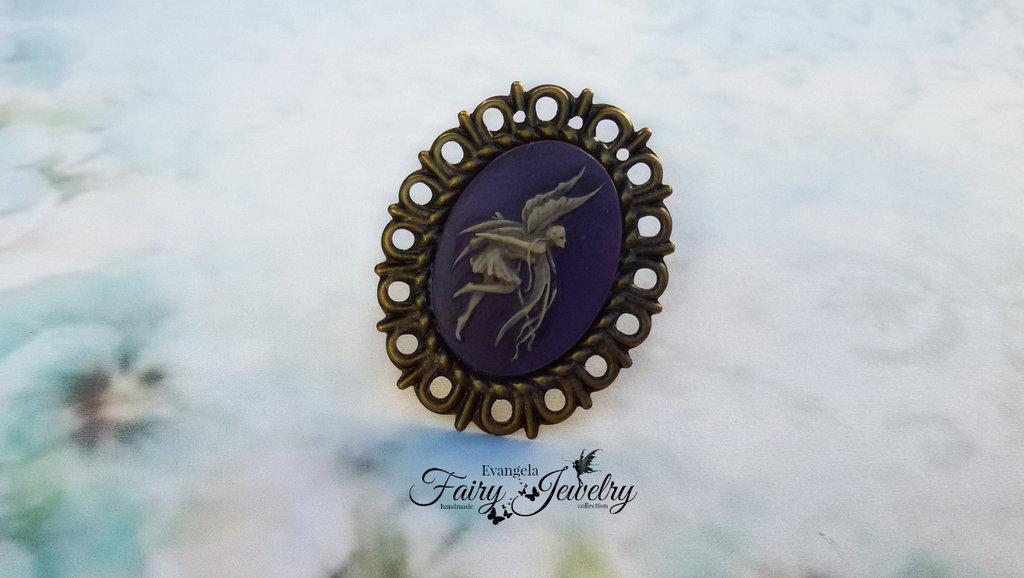 Anello cammeo fata viola e  bronzo regolabile