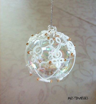 Pallina natalizia in vetro soffiato e pizzo chiacchierino PV5B10C