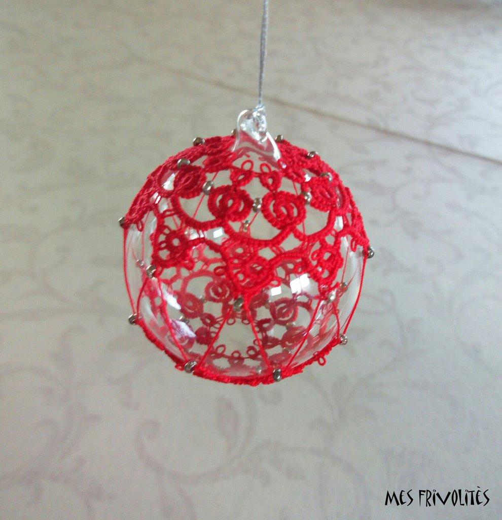 Pallina natalizia in vetro soffiato e pizzo chiacchierino PV5R11C